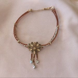 Jewelry - Vintage beaded choker